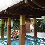 la petite piscine sous la salle de massage