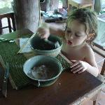 elle adore la soupe du midi