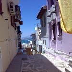 The Psarron street - towards the bay