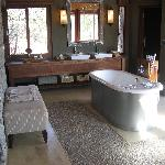 Safari - Bathroom