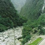 Río Urubamba desde el frente del Hotel