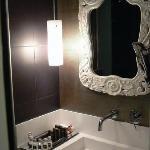 Badezimmer mit kleinem Whirlpool