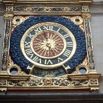 this IS the GROS HORLOG(the clock)