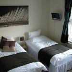 Guest Room -