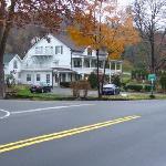 The Apple Valley Inn