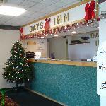 Days Inn Cranston Warwick - Hotel front desk