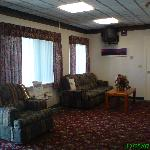 Days Inn Cranston Warwick - Lobby