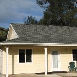 3 bedrooms, 2 bath cottage