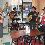 Cielito Lindo visited by musicians
