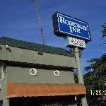 Rodeway Inn front area