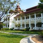 Colonial Villa's