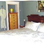 Stevensville Hotel room