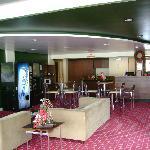 Hotel 10 lobby