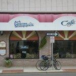 Yvette's Cafe