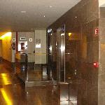Le hall des chambres