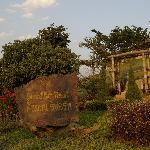 Gepflegte Gartenlandschaft des Resorts