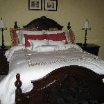 Roughley Manor - Bed