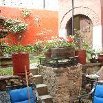 casa azul courtyard