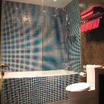Bathroom - clean and modern