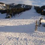 Thats the main slopes into the village - busy??