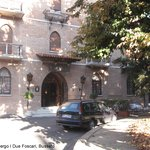 Entrance to Albergo I Due Foscari