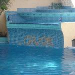 piscina, muy limpia y cuidada