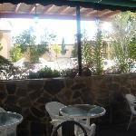 la terraza donde desayunamos, lindisima