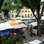 Artisans Sunday Crafts Fair in Piazza Santo Spirito, Florence