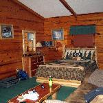 cabin 6 queen bed