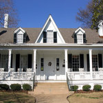 The front of the Sidney Lanier Cottage