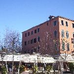 Hotel Cristallo side