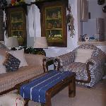 E 303 kitchen livingroom