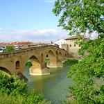 Puente la Reina: puente medieval