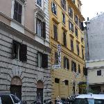 hotel meridiana, calle