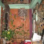 Shanti Lodge détails du mur de la salle des ordinateurs