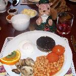 Full Scottish breakfast, YUM!!