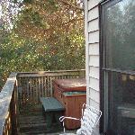Cottage Suite - Private Deck w/ Hot Tub