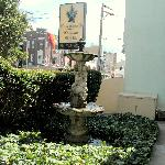 Manor House Hotel Front Garden & Sign (March 2005)