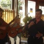music at El Che Carlos
