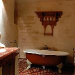 The Roumana Suite bathroom