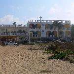 Hotel Bungalows visto dalla spiaggia
