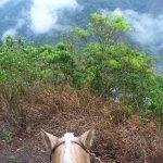 Promenade a cheval dans les nuages