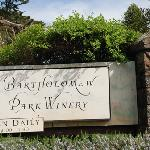 Sign at the entrance to the winery