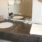 Superior busines room bathroom