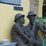 Don Carlos statues