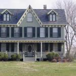 front view of the Claddaugh Farm B & B (built in 1902)