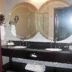 Bathroom-beautiful mirrors and duel sinks