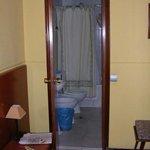 Hostal Cervantes bathroom