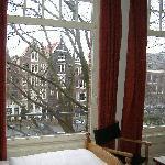 le grandi finestre della camera 225