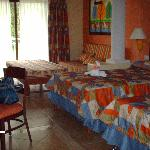 Clean rooms (2 double bed suite)